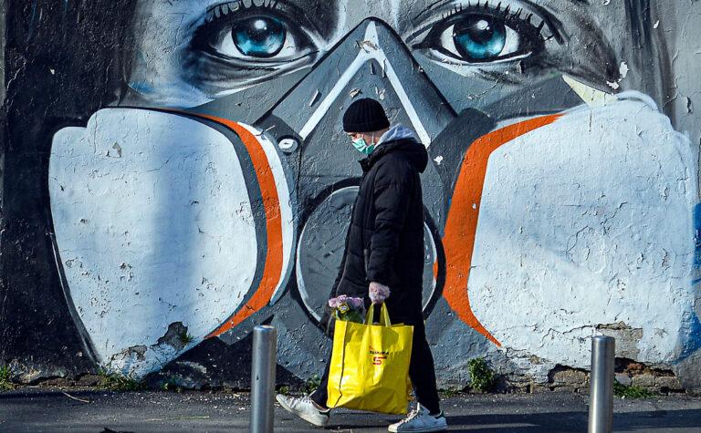 Британский эксперт Фауди рассказал, как Байден использует тему коронавируса против Китая