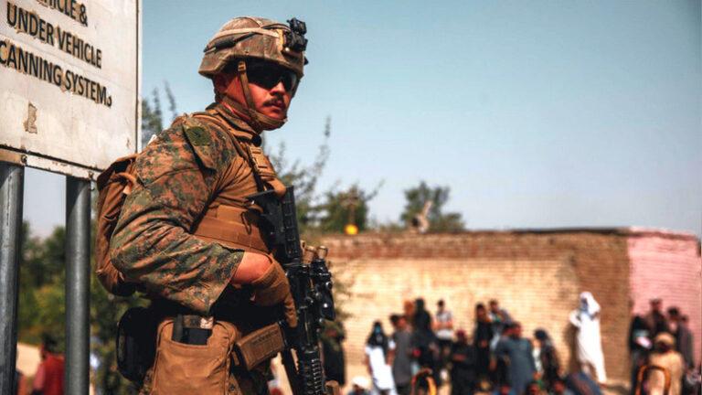 Ветеран разведки США заявил, что Байден мог предотвратить теракт в Кабуле